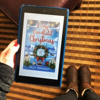 Book Review: A Cosy Candlelit Christmas