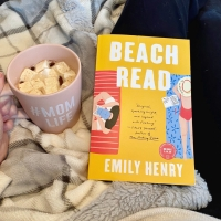 Book Review: Beach Read by Emily Henry